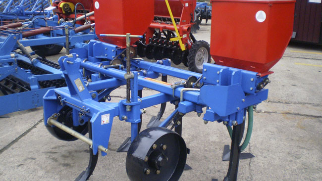 Plow cultivator of PCV-2.5 (FS)