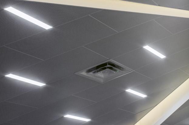 Подвесные алюминиевые потолки кассетные, реечные, грильято