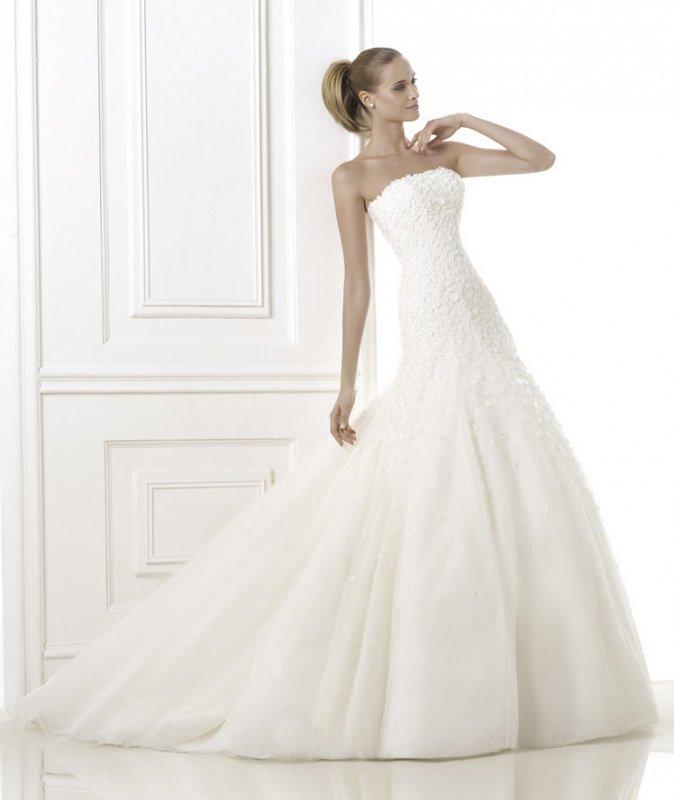 Свадебное платье известного бренда PRONOVIAS.