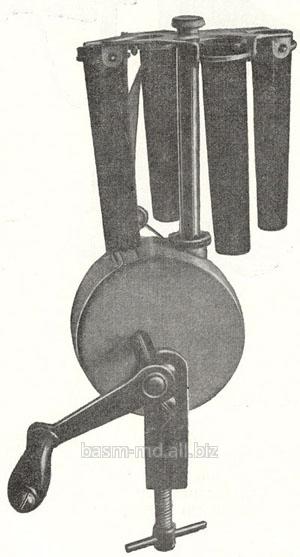Центрифуга ручная на четыре пробирки  Сentrifuga manuala cu 4 eprubete