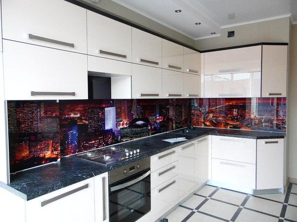 Декоративные кухонные фартуки из стекла
