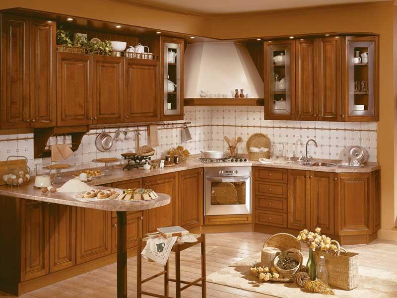 Кухонный гарнитур деревянный классический