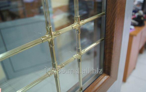 Купить Окно с золотистым декором Inventproiect