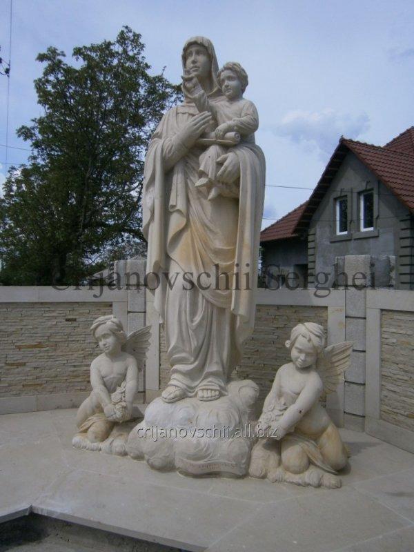 Скульптура Св. Мария и Иисус.