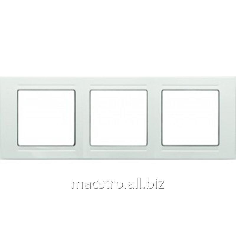 Купить Рамка тройная белая Артикул 25.605