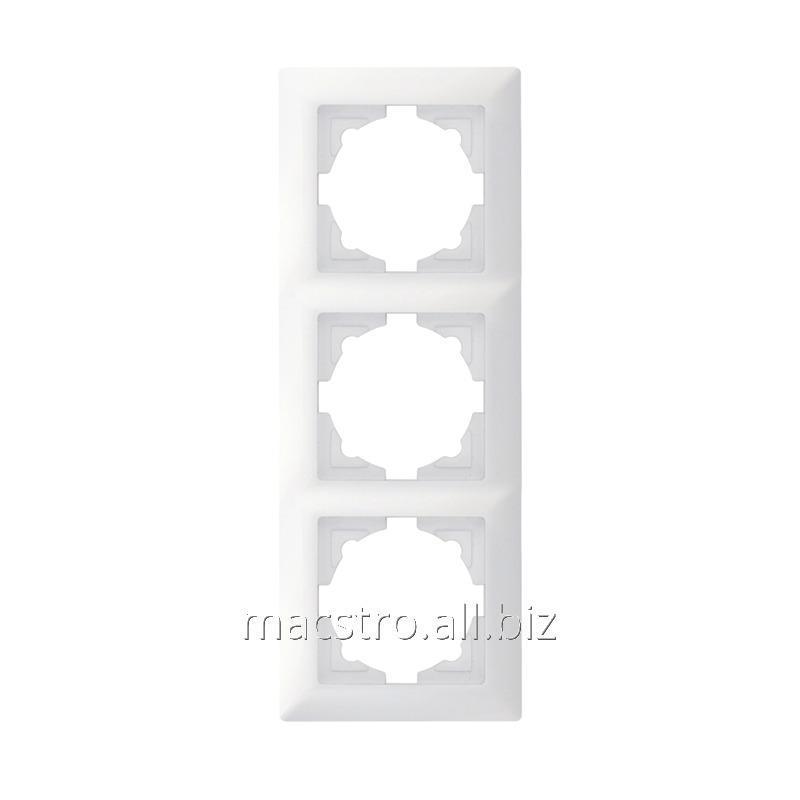 Купить Рамка тройная белая Артикул 25.506