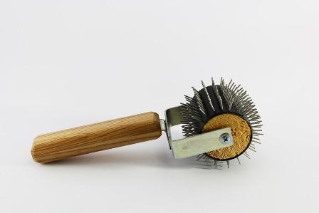 Купить Каток для распечатки Ёжик игла нерж-ка, ручка дерево