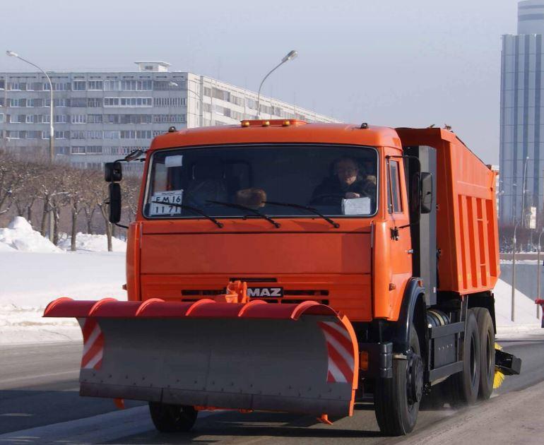 Купить Дорожная комбинированная машина ЭД-405АГ