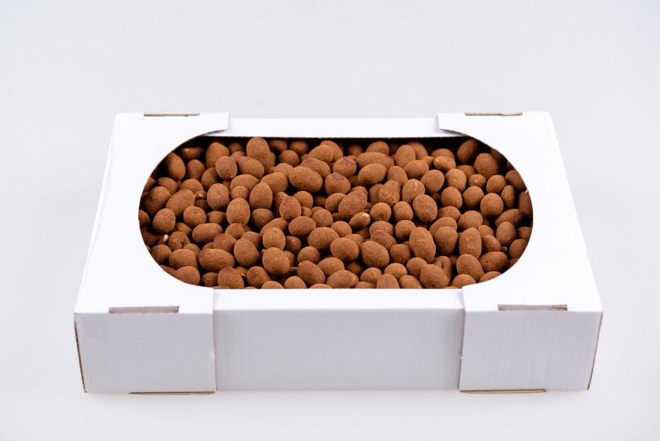 Peanuts in milk chocolate in cinnamon, kg
