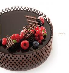Decor chocolate on cakes