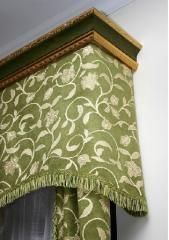 Eaves for curtains from the Italian baguette