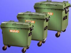 Trash bins on four wheels of SULO