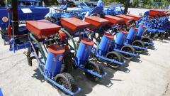 Pneumatic seeder of SPP-4/6/8/12 (FS)