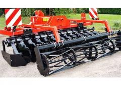 Hinged korotkobazovy disk harrow