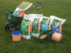 Seminţe de iarbă, îngrăşăminte pentru gazon