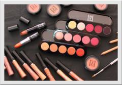 Cosmetică decorativă