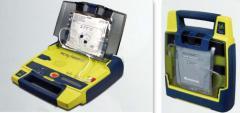 Defibrilator semi-automa