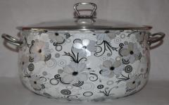 The enameled pan with a glass cover and metal Nr