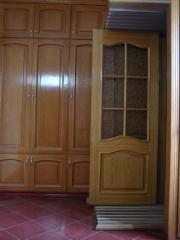 Межкомнатные двери из натурального дерева со