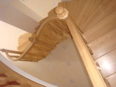 Модели эксклюзивных деревянных лестниц мкр команду