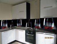 Кухня с фотофасадом (бокалы)