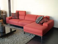 Encargar el sofá, N - 40