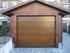 Automatic gate for garage