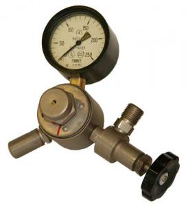 Reducer gas medical (with the manometer) Reductor
