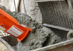 Solutions and mixes on a cement basis