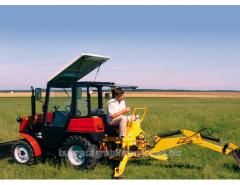 Bagger Traktor kompakt BHP-320.4, Landmaschinen