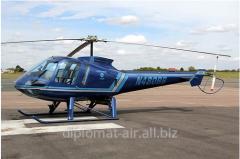 Вертолет с газотурбинным двигателем типа Enstrom