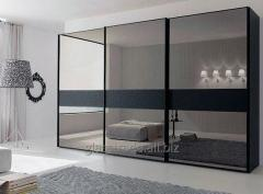 Mirror door for a sliding wardrobe