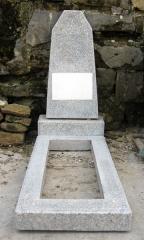 Памятники из мраморной крошки/Monumente din