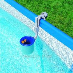 Skimmers for pools