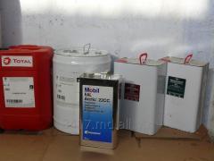 Oils polyester for refrigerating compressors