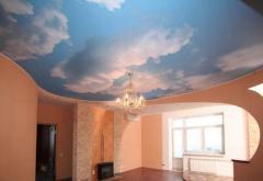 Натяжной потолок в зале 4