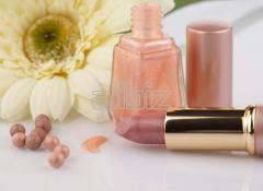 Cosmetics with essential oils