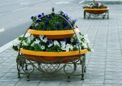 Подставки под цветы: достойная опора прекрасному