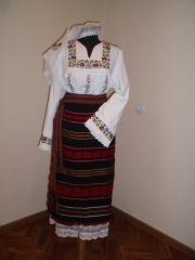 Traditional women's sui