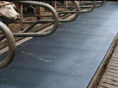 Coverings for livestock facilities