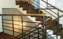 Ограждения металические лестниц