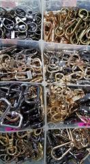 Карабины, кольца-карабины, ножки и уголки для