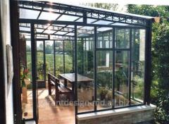 La pose de vitres des balcons et les loggias