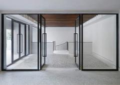Entrance lobby, clear glass