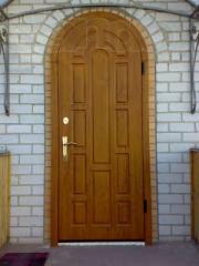 Двери гаражные золотой дуб в Молдове.