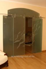 Раздвижные двери из стекла