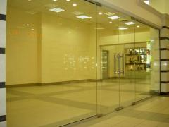 All-glass partitions for offices, shops, boutiques