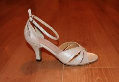 Footwear for salsa