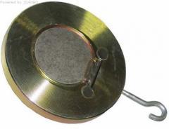 Backpressure valve disk flange