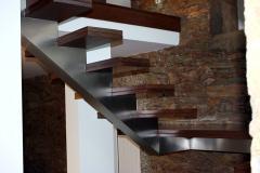 Metal frameworks of ladders